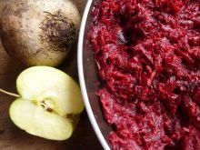 Buraczki duszone z jabłkiem i skórką cytryny