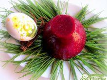 Buraczkowa galaretka z jajkiem