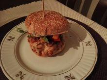 Burger łososiowy teriyaki