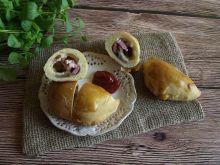 Calzone z pieczarkami, boczkiem i serem