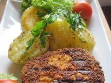 Camembert panierowany z kartoflami