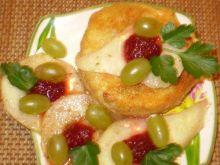 Camembert smażony z gruszkami :