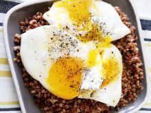 Cebulowa kasza gryczana z jajkiem