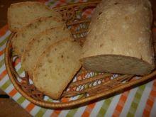 Cebulowy chleb z kaszą kukurydzianą