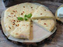 Chaczapuri - gruziński chleb serowy