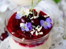 Chałwiowo-wiśniowy deser z kaszą manną
