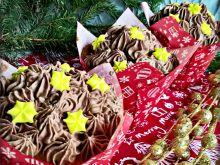Chałwowe babeczki z czekoladowym musem