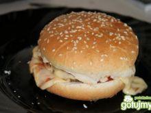 Cheseburger  z mięsem grillowanym