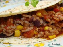Chili con care w plackach tortilla