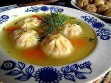 Chińskie pierożki w polskim rosole
