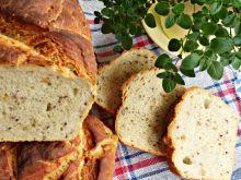 Chleb baltonowski z ziarnami