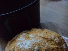Chleb biały z garnka żeliwnego