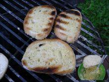 Chleb czosnkowy z grila