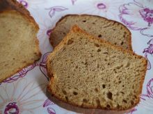 Chleb drożdżowy z piwem i melasą