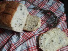 Chleb na drożdżach z ziołami prowansalskimi