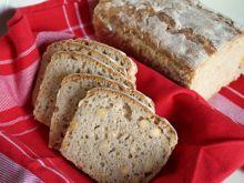 Chleb na zakwasie z ciecierzycą