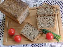 Chleb na zakwasie z czosnkiem niedźwiedzim