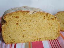 Chleb na zakwasie z dynią i maślanką