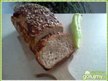 Chleb na zakwasie z marchewką i słoneczn