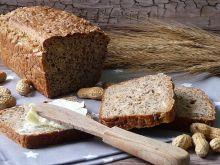 Chleb orkiszowy z orzechami