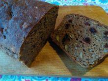 Chleb orkiszowy z żurawiną i ziarnami
