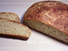 Chleb orzechowo - miodowy