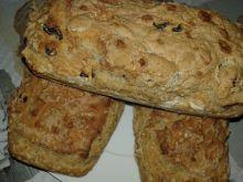 Chleb orzechowo- morelowo- rodzynkowy na maślance