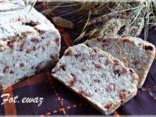 Chleb pszenno jaglany z kiełbasą