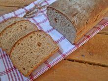 Chleb pszenno-orkiszowy z cebulą