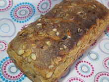 Chleb pszenno-żytni z pestkami dyni