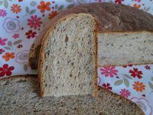 Chleb pszenno-żytni z ziarnami, na drożdżach