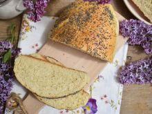 Chleb pszenny na maśle z makiem