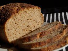 Chleb pszenny z kaszą jęczmienną
