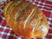 Chleb pszenny z makiem