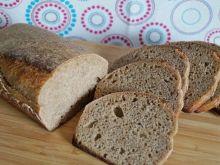 Chleb pszenny z miodem i lawendą