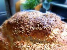 Chleb pszenny z płatkami  i sezamem
