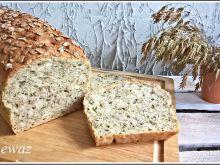 Chleb pszenny z pokrzywą i płatkami żytnimi