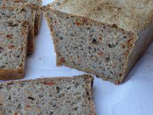 Chleb pszenny z suszonymi pomidorami i czarnuszką