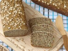 Chleb razowy na zakwasie z pestkami dyni