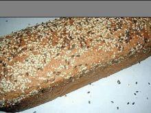Chleb razowy własnego wypieku