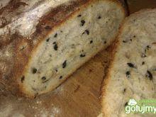 Chleb śródziemnomorski z oliwkami