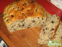 Chleb włoski z cebulą i oliwkami