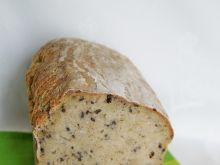Chleb z brokułami i czarnym sezamem na zakwasie