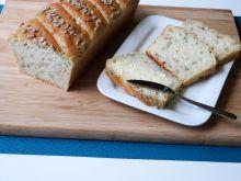 Chleb z cebulą i ziarnami