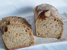 Chleb z ciemnym piwem i kminkiem na zakwasie