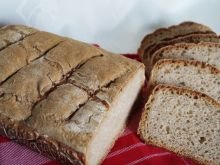 Chleb z kaszą jęczmienną na zakwasie