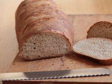 Chleb z mąki pełnoziarnistej na zakwasie
