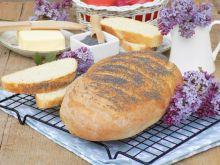 Chleb z makiem i mąką krupczatką