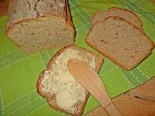 Chleb z mielonym lnem i cebulą