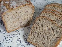 Chleb z nasionami chia i ostropestu na zakwasie